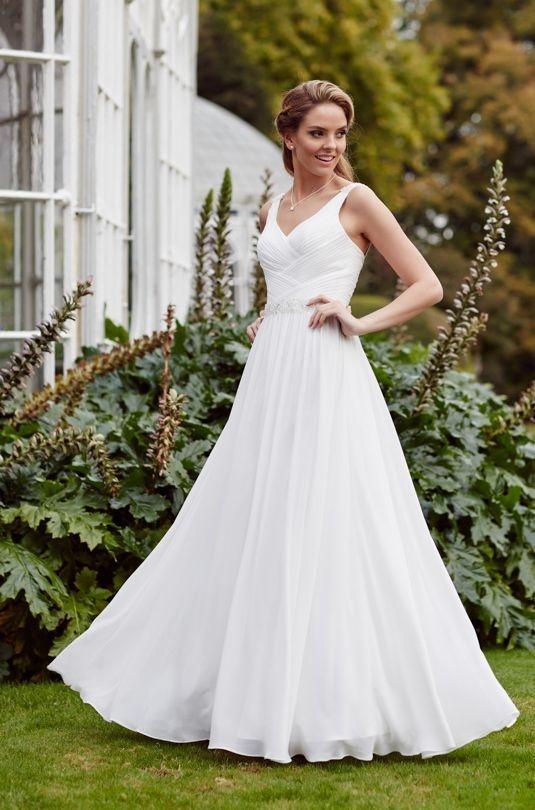 Plus size chiffon wedding dress in Ivory size 20