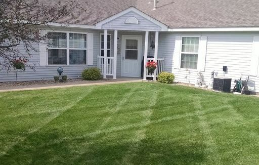 Townhouse Lawn Line