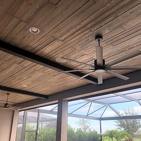 Lanai with ceiling trim