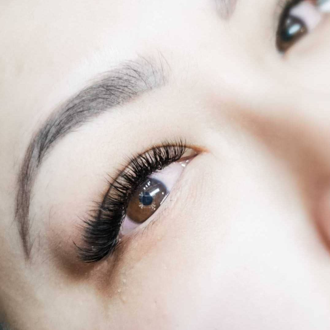 eyelash extensions; lash extensions; eyelash; volume set