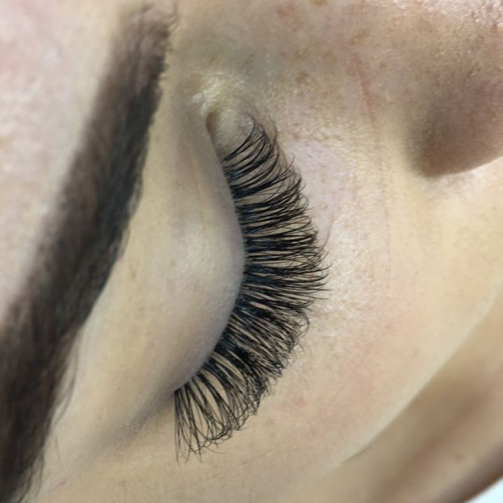Russian Eyelash Lashes Extensions