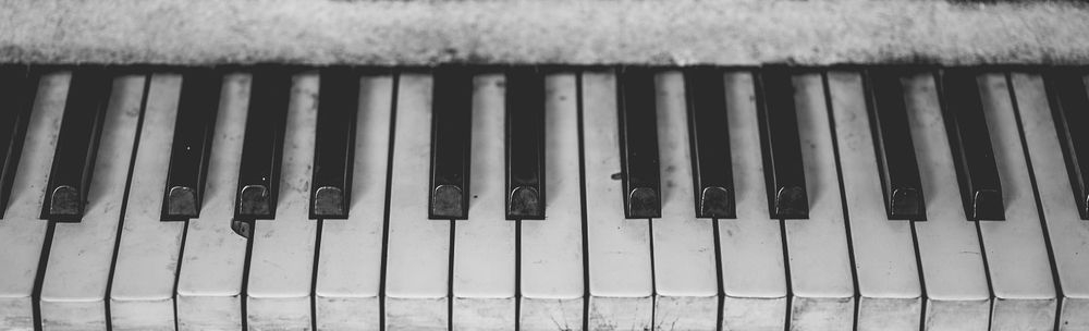 old%20piano.jpg