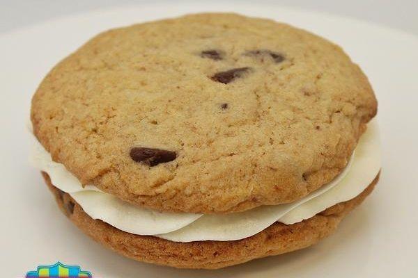 OMG cookies, chocolate chip sandwich cookie, milwaukee