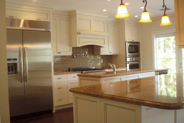 Greenhawt Victoria Park kitchen with custom painted cabinets & stainless appliances