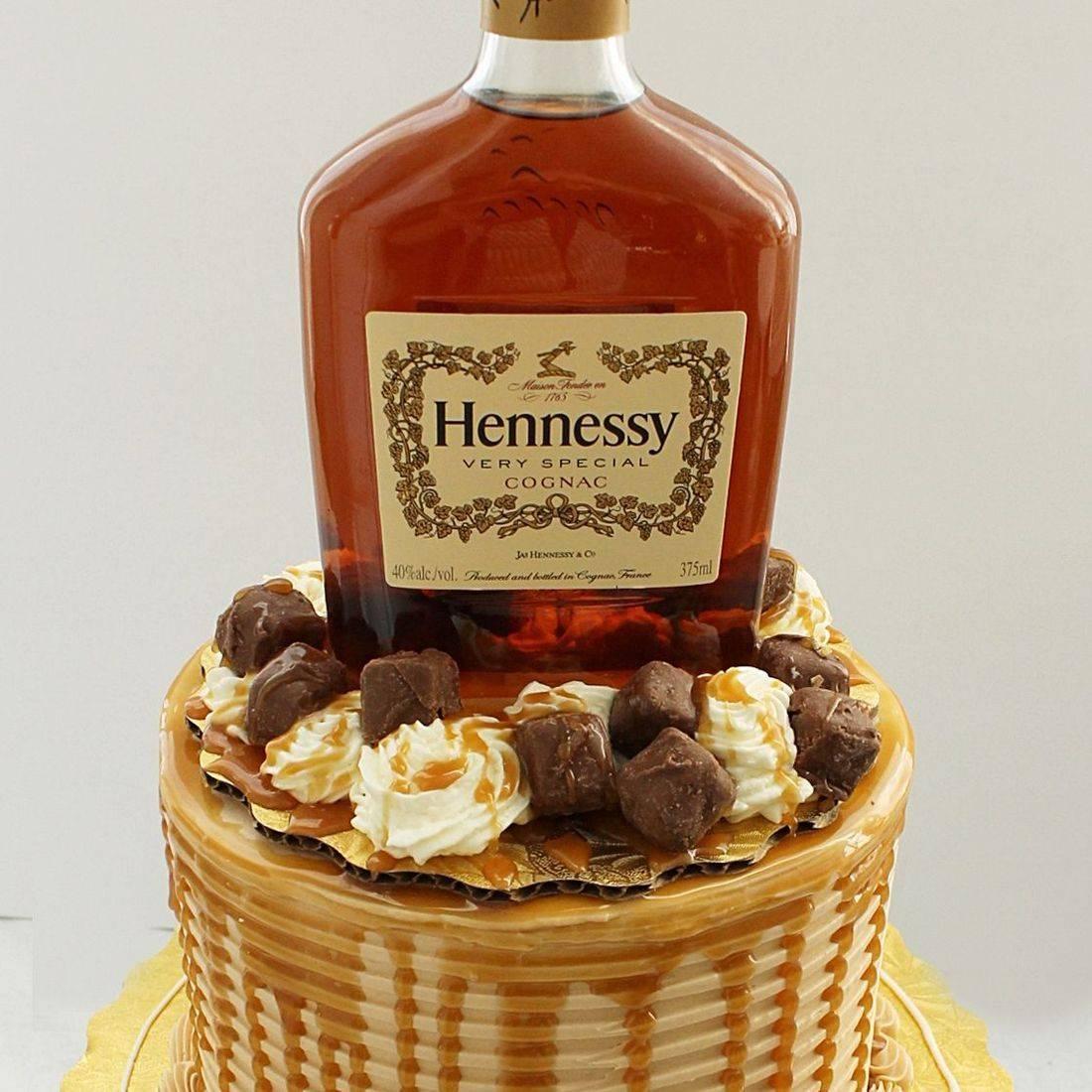 hennessy caramel stylized cakes milwaukee