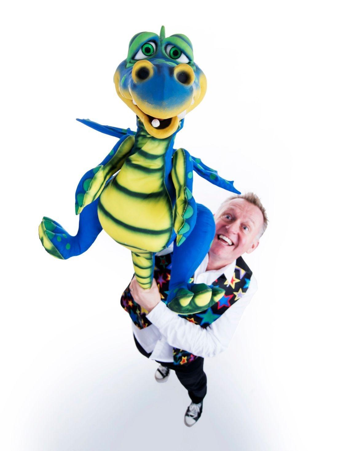 Dizzy Dean's Magic Show Brize Norton Oxfordshire Nov 18