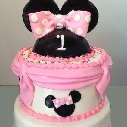 Custom MInnie Mouse Swags Cake Milwaukee