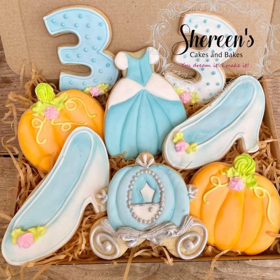 Cinderella princess cookies slipper glass carriage pumpkin dress