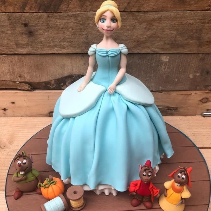birthday cake cinderella princess mouse pumpkin
