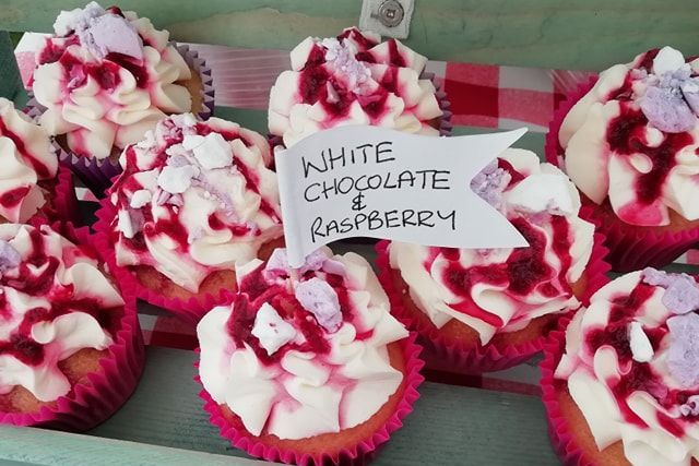 White Chocolate & Raspberry Cupcakes