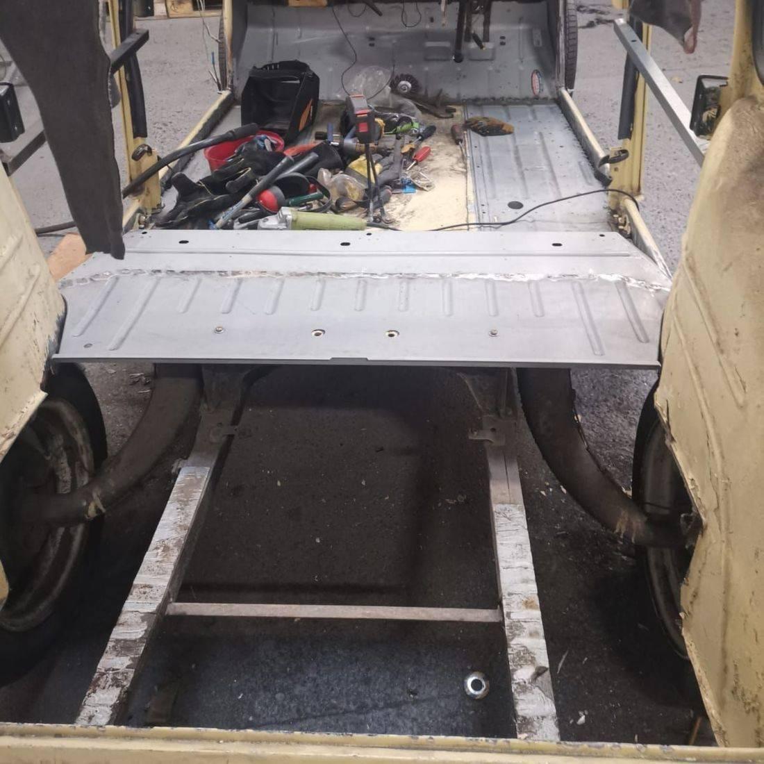 Classic Citroen 2cv welding floorpan boot floor
