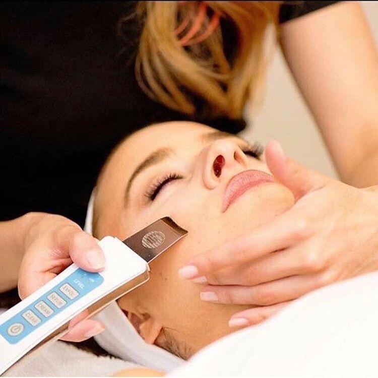 Ultrasound Microcurrent skin treatments