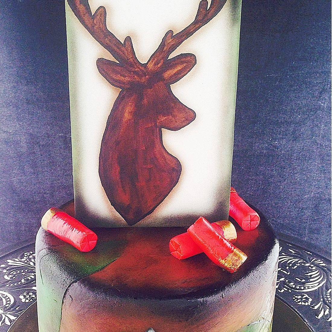 Custom Deer hunter Cake  Milwaukee