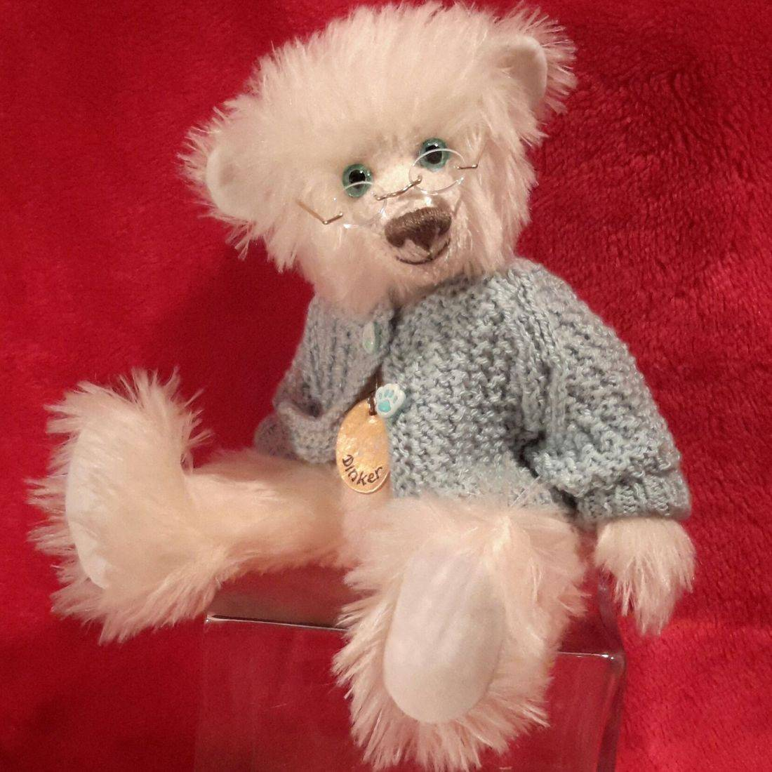 Bears, handmade, mohair, collectors bears, unique bears.