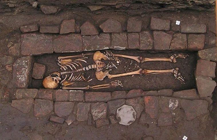 Il y a plus de 1000 ans, cette femme a accouché dans sa tombe