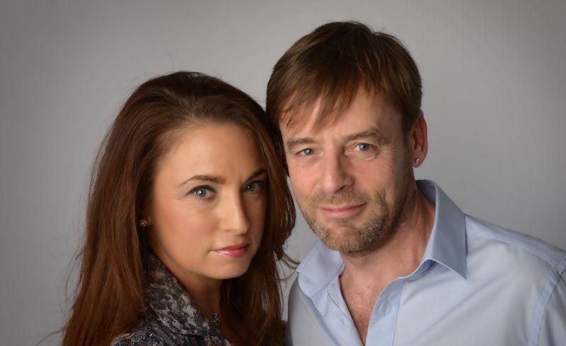 Mediums Louisa & Paul
