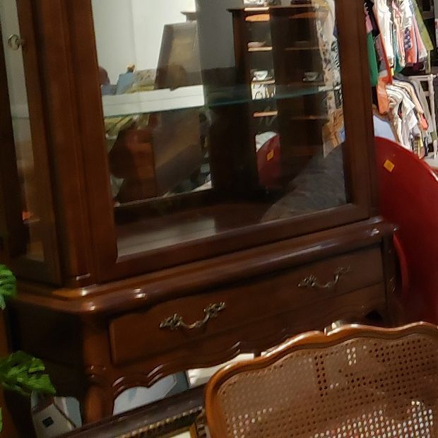China Display Hutch