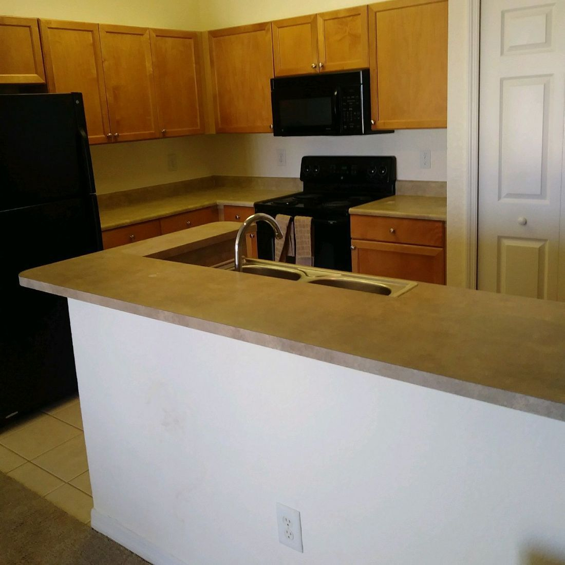 Kitchen Before Refinished Countertop