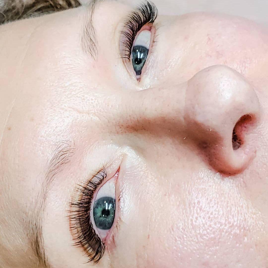 eyelash extensions; lash extensions; eyelash; volume