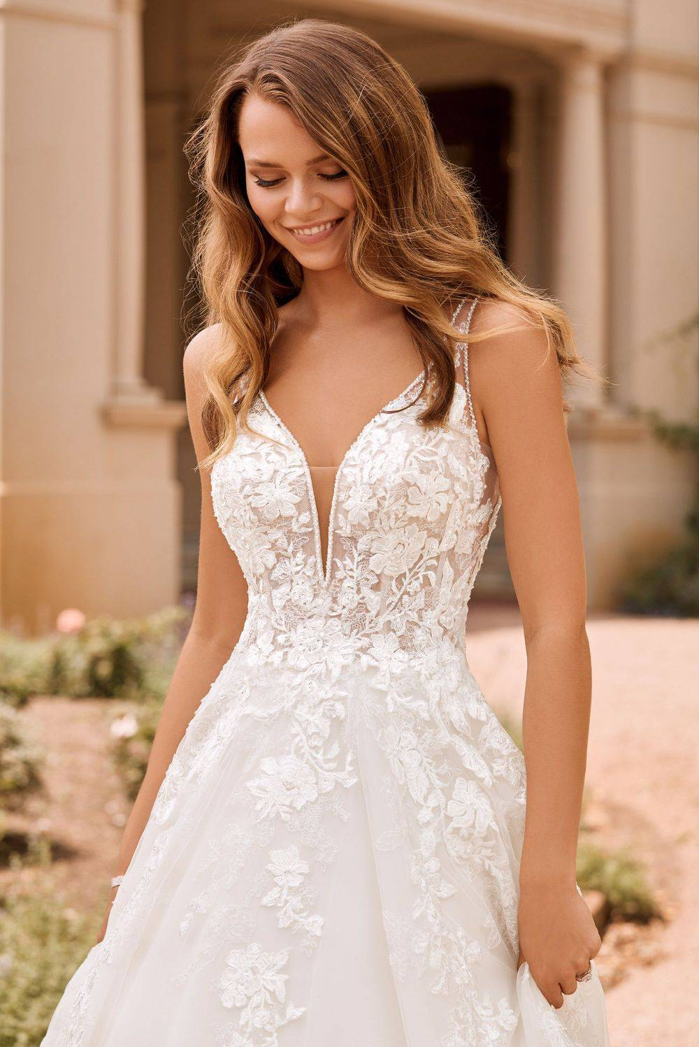 boho wedding dress with lace, plunged neckline, boho a-line wedding dress in rochester kent