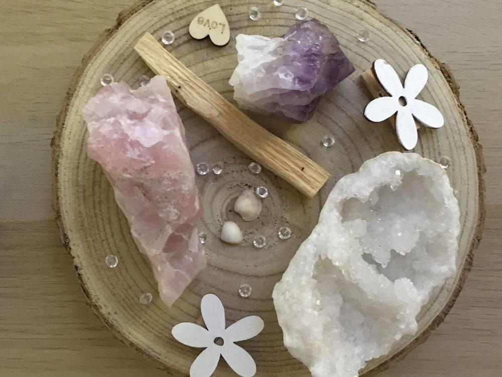 Gouden driehoek, amethist, bergkristal, rozenkwarts, roze kwarts, edelstenentherapie