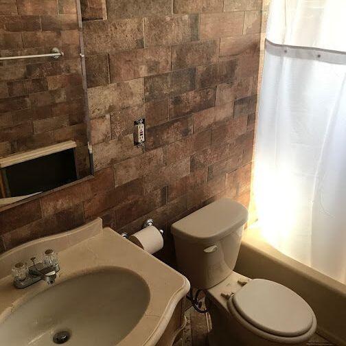 Special Bathroom Tile Installation Arcedo Construction