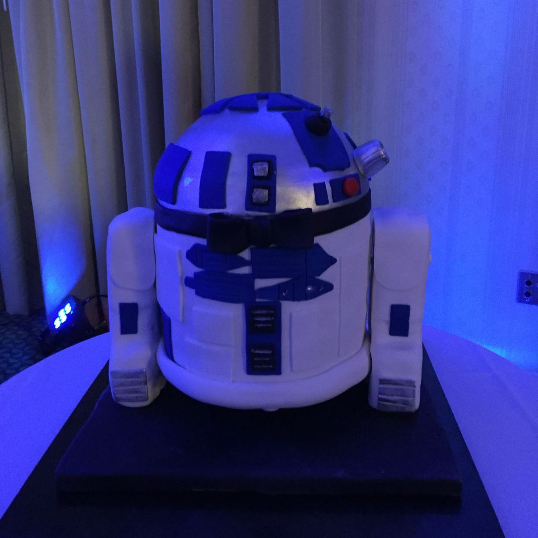R2D2 grooms cake star wars cake 3d carved star wars cake
