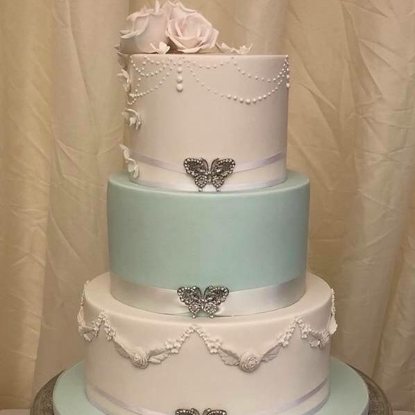 Wedding Cake Tiffany Blue White Diamante Butterfly Brooch Buckle Roses