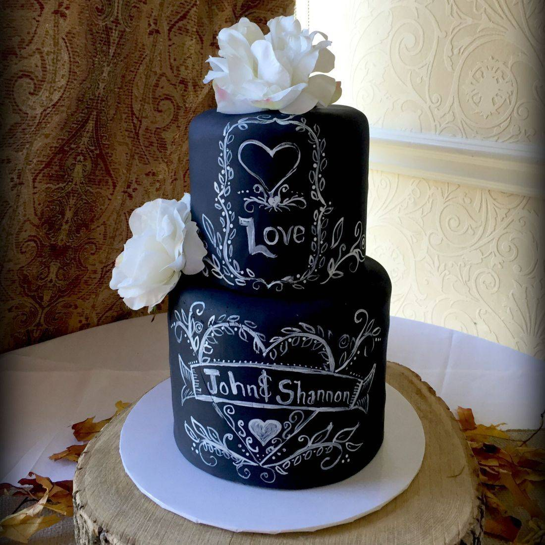 Chalkboard Chalk rustic wedding cake