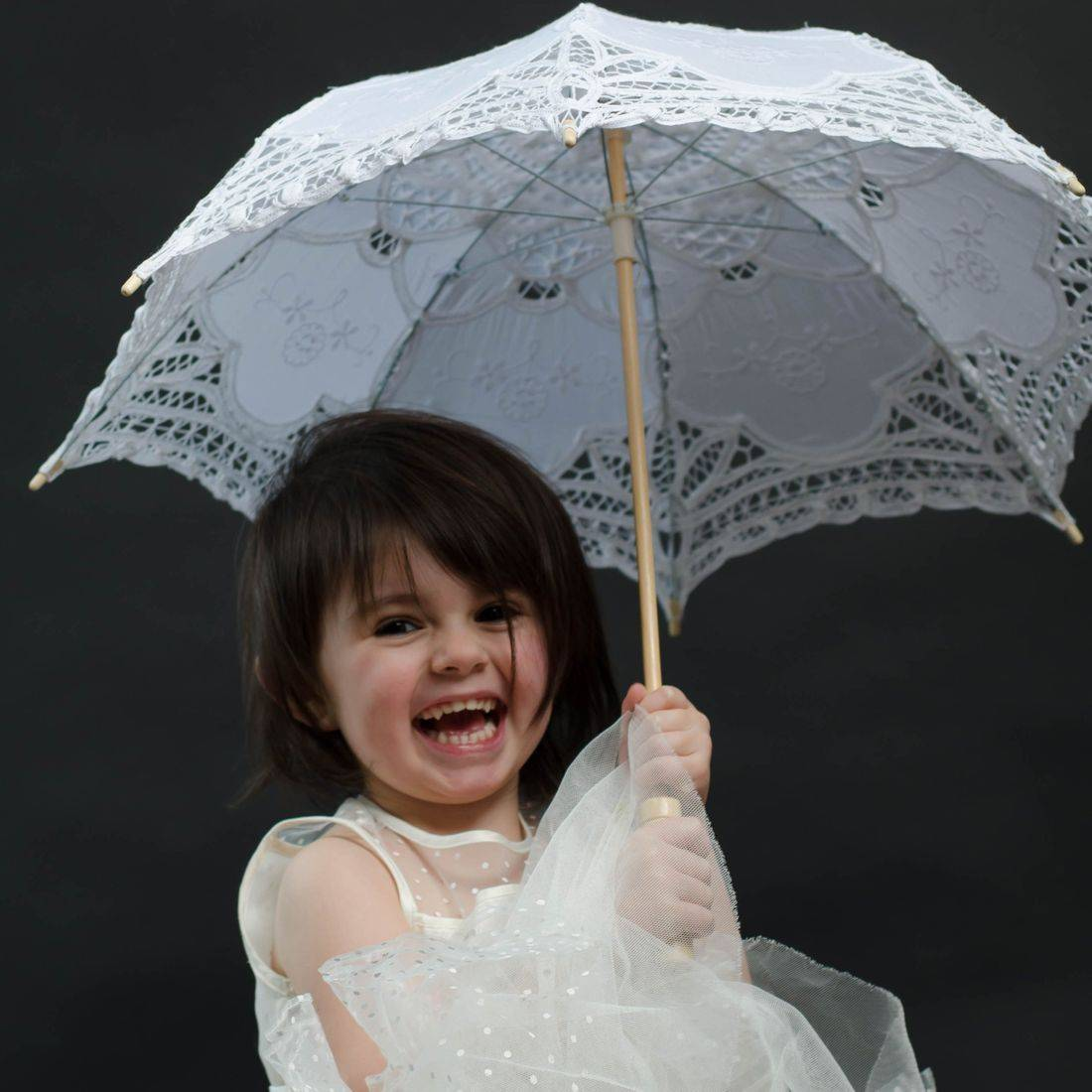 Cheap Louth Girly photoshoot, Grimsby child photographer, Child portrait.