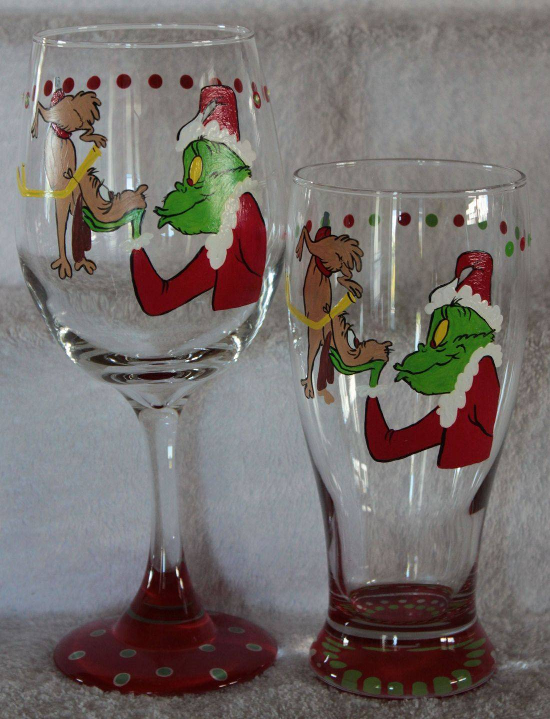 Grinch Wine Glass, Max and Grinch wine glass, christmas wine glass