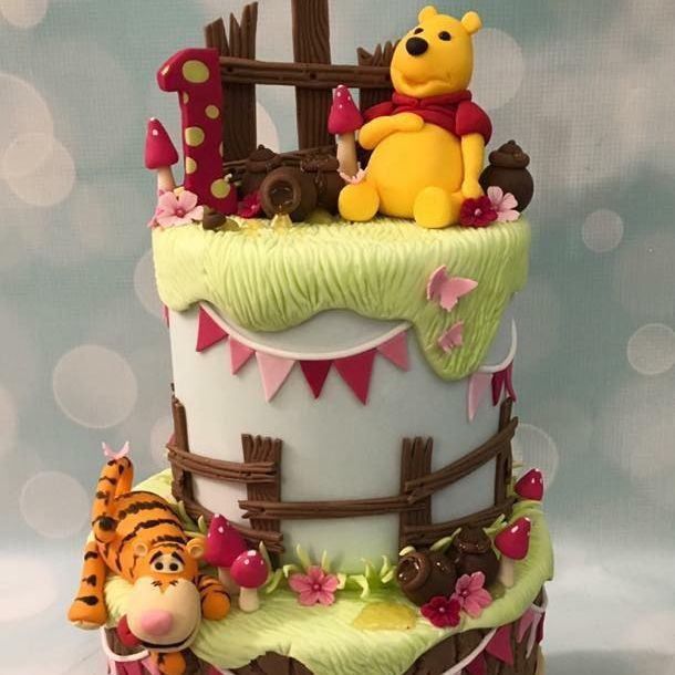 Pooh Bear Winnie Tigger Cake Birthday 1st Tree Stump Bunting Toadstools