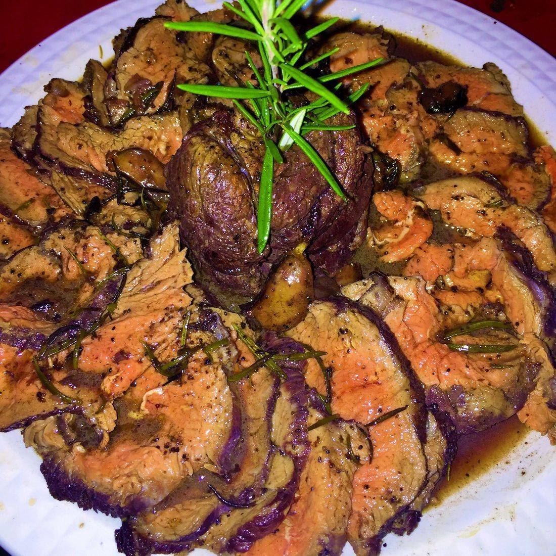 roast beef with garlic and rosemary