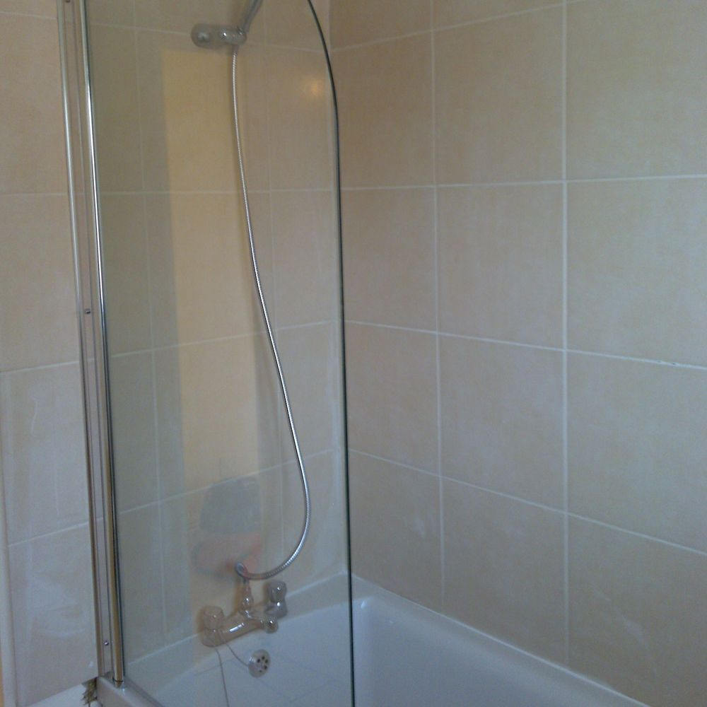 Shower screen, Shower, Tiles, Bath, Painted Ceiling