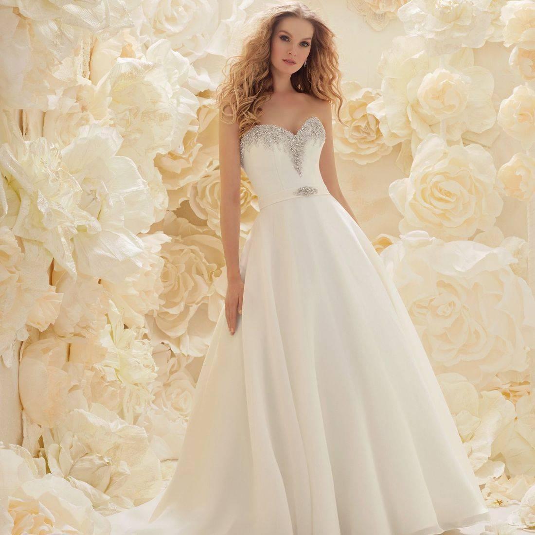 Ronald Joyce wedding dresses, stunning wedding dress,  Sicilia Sofia Bianca by Ronald Joyce, Aline wedding dress, satin wedding dress