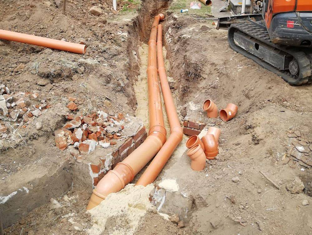 Erdarbeiten, Entwässerung, Abwasser, Baubetreuung Zwickau, Bauunternehmen, Baufirma