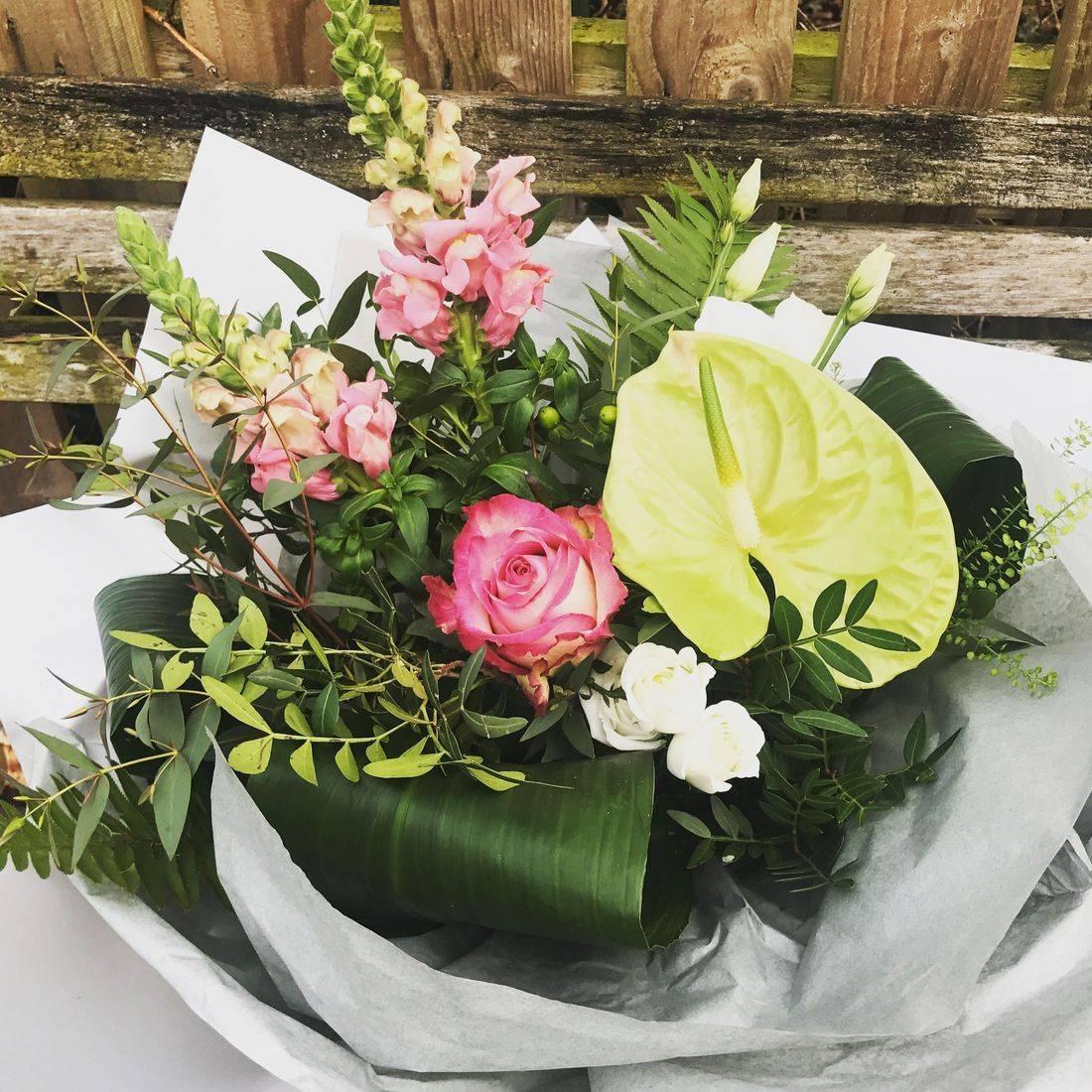 modern gift bouquet