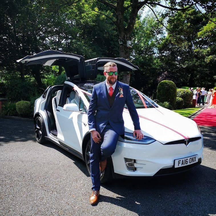Falcon Tesla Wedding Cars Ashton Memorial