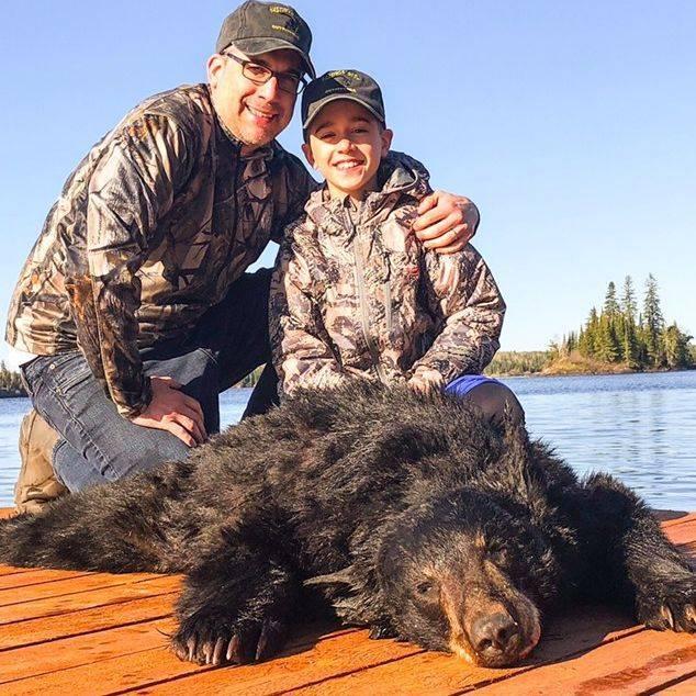 Manitoba, hunting and black bear hunts, black bear, hunting, Manitoba Canada