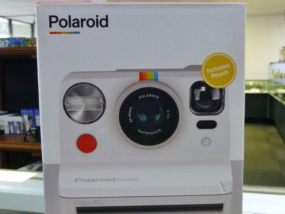 White Polaroid NOW camera in original box with pouch