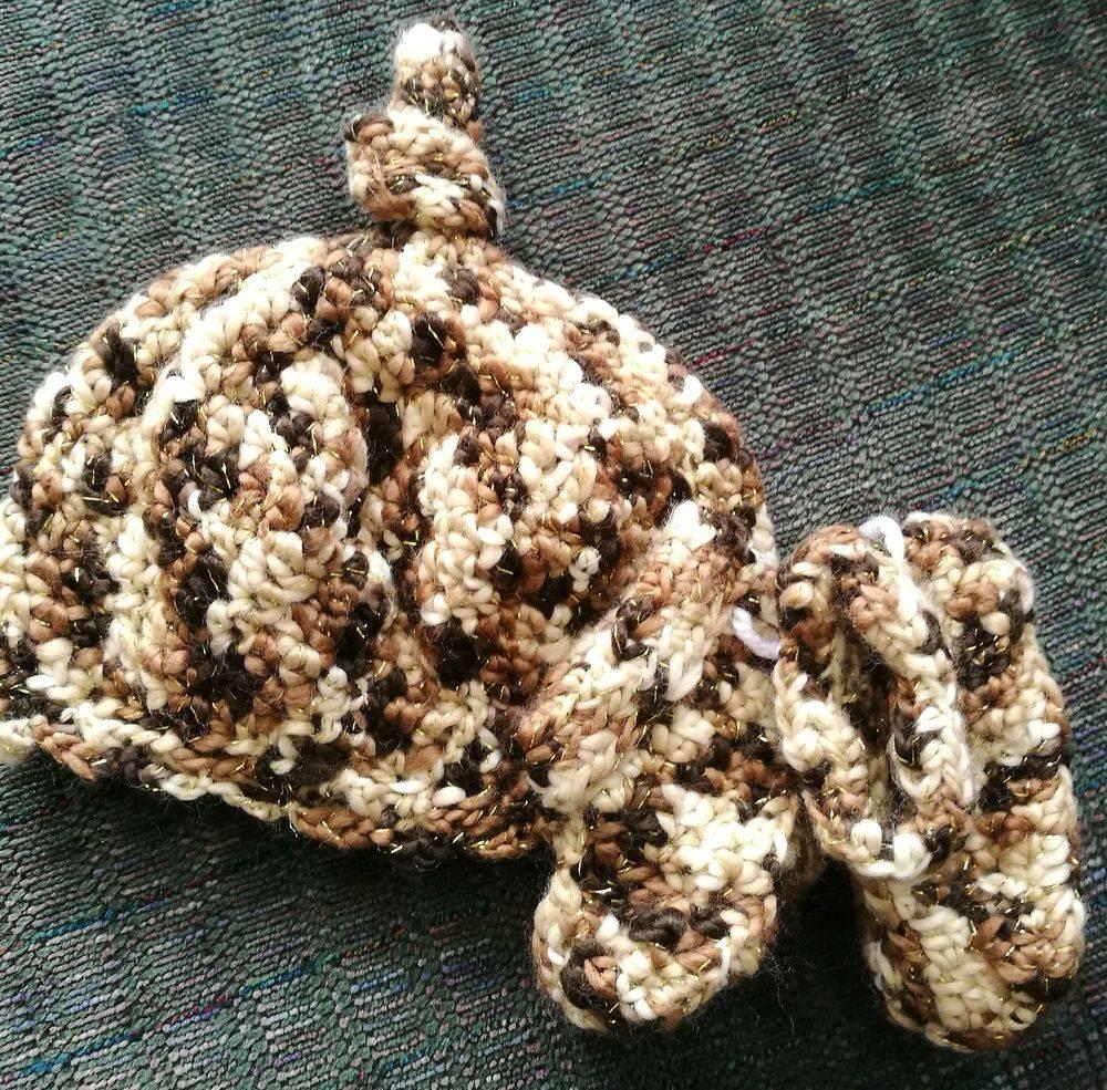 Newborn Handmade Hat and Bootie Set