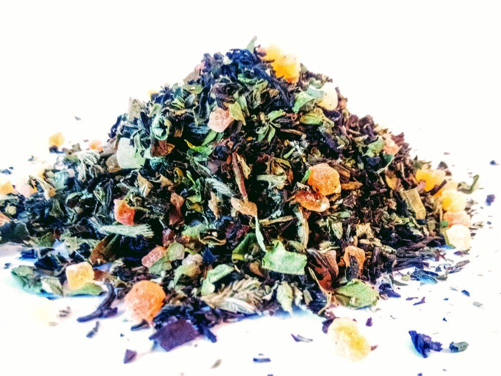 darjeeling loose leaf tea with papaya and wild blackberry leafh
