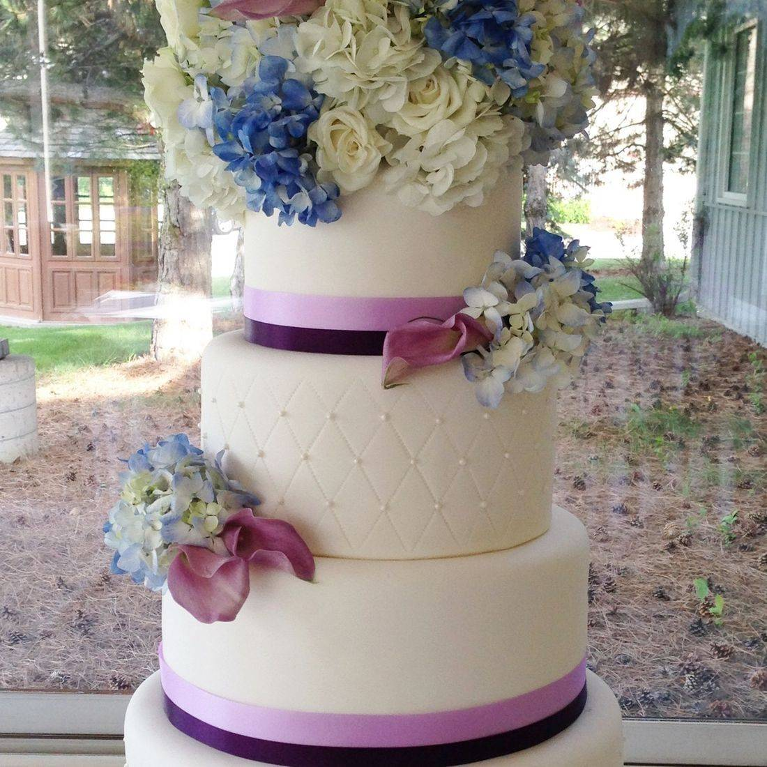 Custom Fresh Flowers Birdcage wedding Cake  Milwaukee