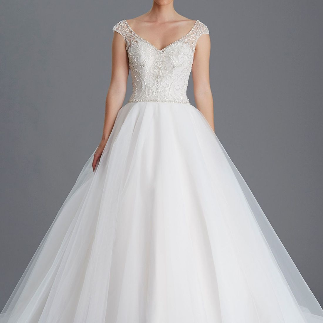 sweetheart crystal bodice, full skirt, straps