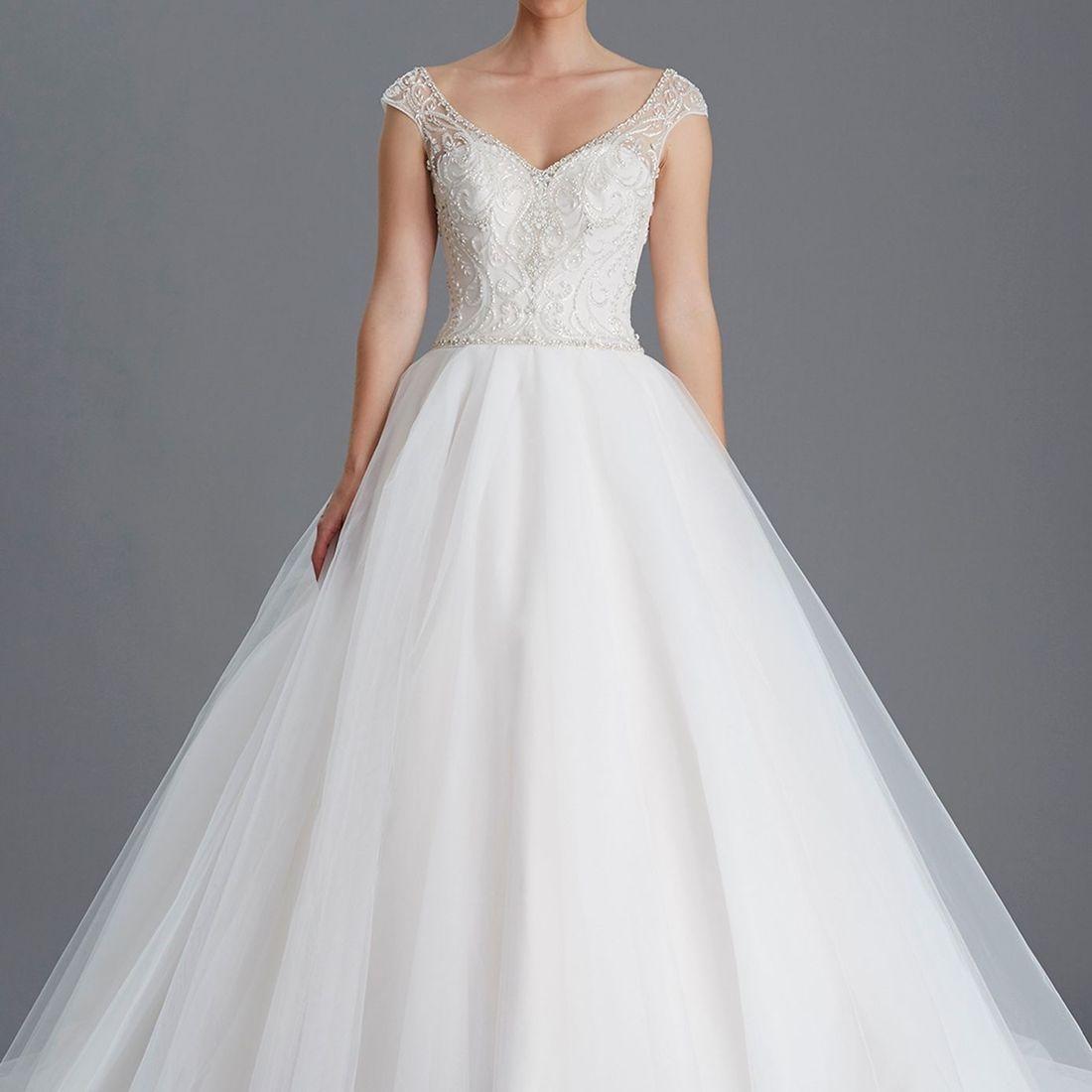sweetheart crystal bodice, full skirt, straps