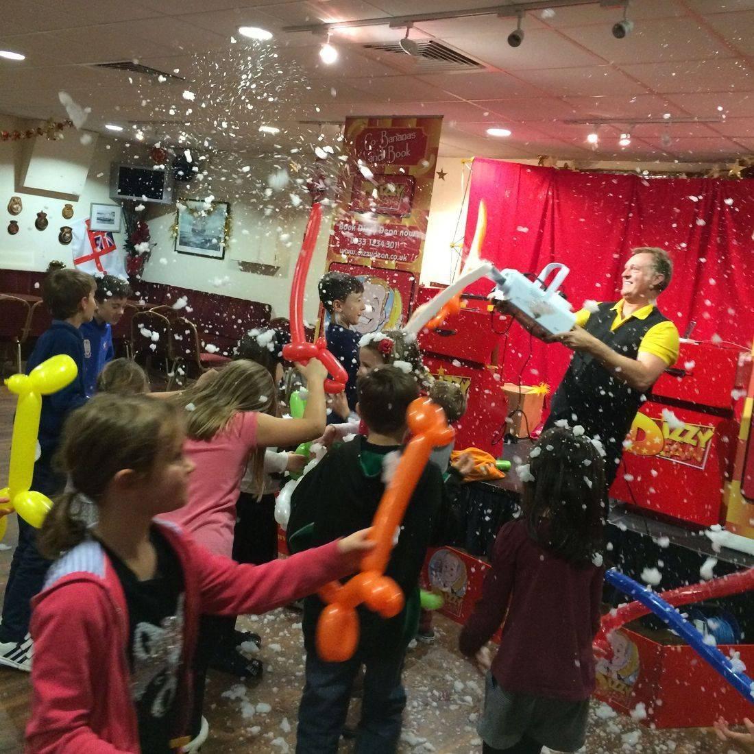 Dizzy Dean Christmas magic show