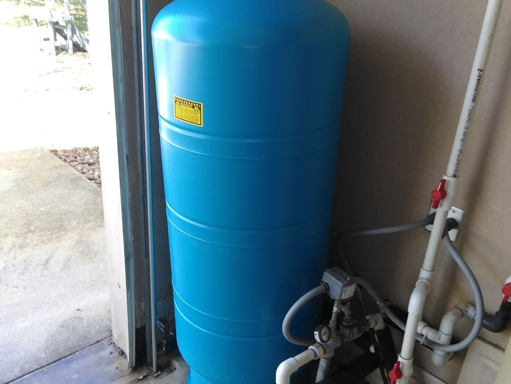Water Pressure Tank, Boerne, TX. 78006