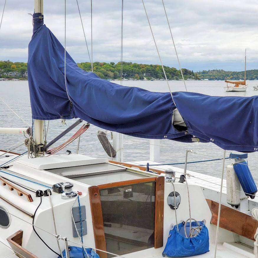 Alerion Express sailboat for sale in Lake Geneva