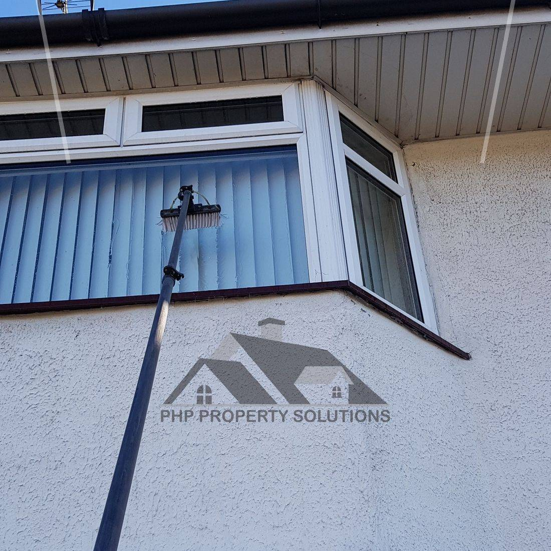window cleaning, water fed pole, pure water, window cleaner, basingstoke, traditional