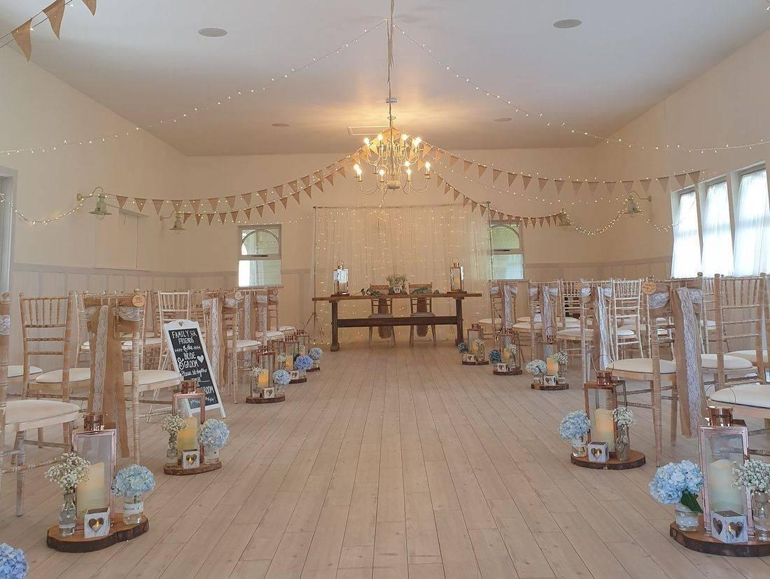A summer wedding at The Kings Arms Christchurch Dorset